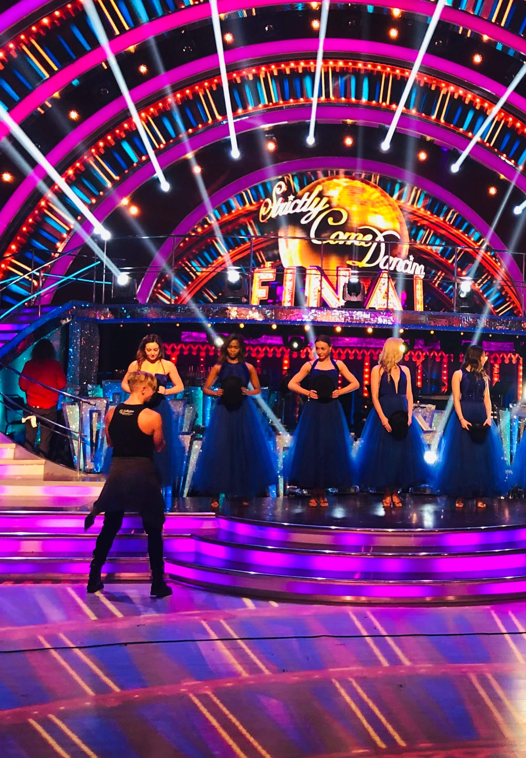 Watch Movie strictly-come-dancing-it-takes-two-season-1